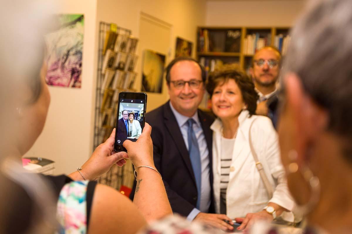 François Hollande au Centre mondial de la Paix
