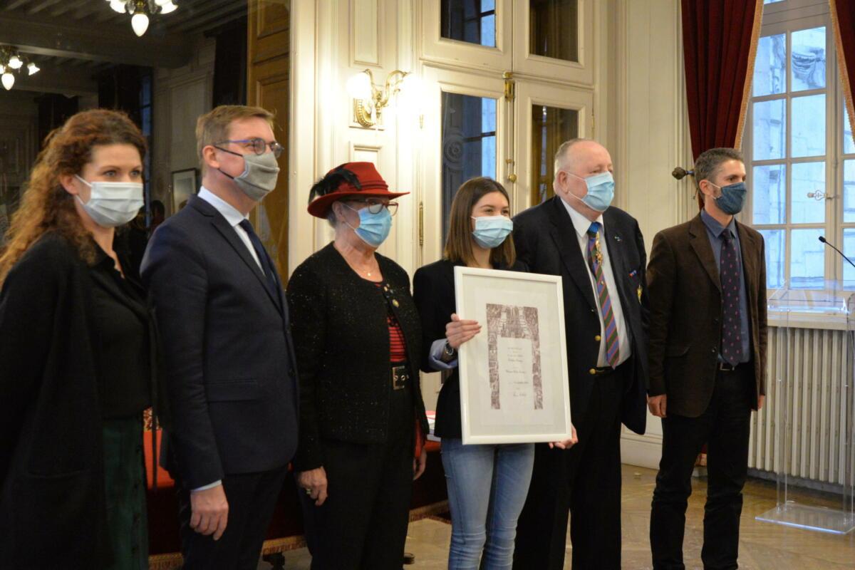 Remise du Prix de la Fédération Maginot à Ambre Trainini